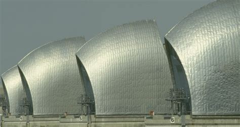 thames barrier article thames barrier records set heart london