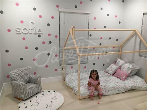 8 Pretty Polka Dot Accessories by Bedroom Pretty Room B W Photos On Corkboard Above