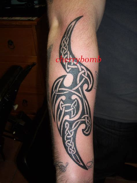 shamrock tribal tattoos tribal celtic polynesian tattoos gallery