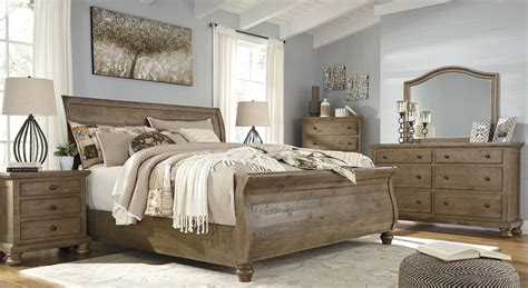 trishley light brown sleigh bedroom set b659 77 74 98