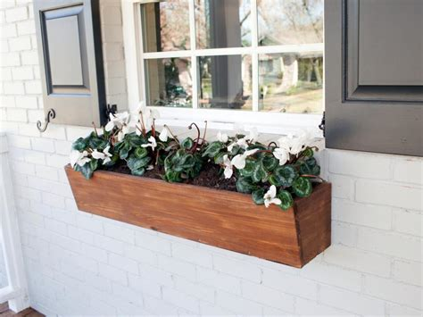 Planter Box Ideas For Sun by Best 25 Wooden Window Boxes Ideas On Wooden Flower Boxes Window Box Planter And