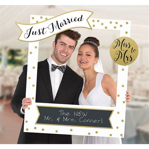 customizable wedding photo frame kit 30in x 35in city