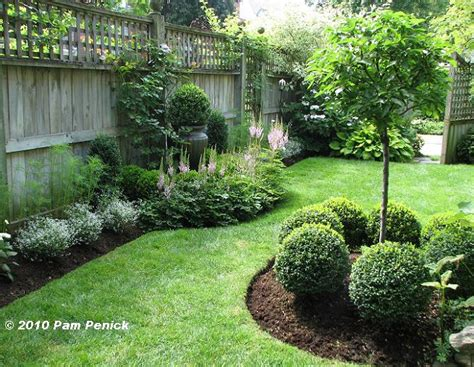 Fenced Backyard Landscaping Ideas by Im 225 Genes De Jardines Peque 241 Os Con Dise 241 Os