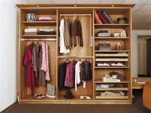 armoire ou dressing mobilier sur enperdresonlapin