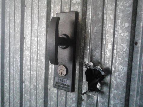 forzare porta blindata sicurezza in garage sostituzione serrature per basculanti