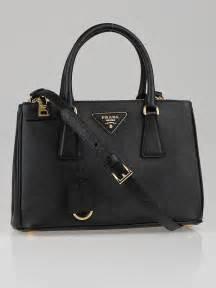 P Da Saffiano Mini Free Dompet prada black saffiano leather mini tote bag bn2316