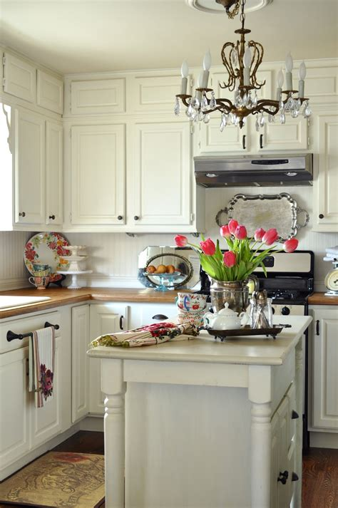 Cottage Kitchen Cupboards - whisperwood cottage 20 white cottage kitchens features