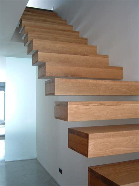 escalera volada nuno arquitectura  diseno