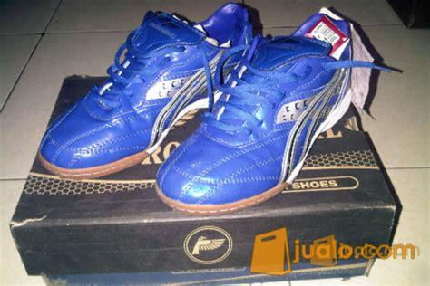 Sepatu Futsal Merk Carvil sepatu futsal jualo