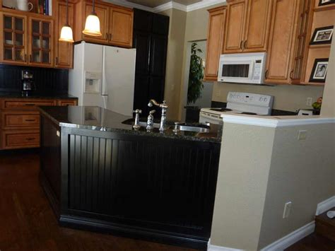 wainscoting backsplash kitchen wainscoting kitchen backsplash www imgkid com the