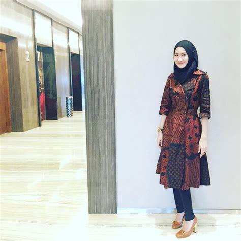 Baju Batik Wanita trend model baju batik kombinasi polos terbaru dan modis