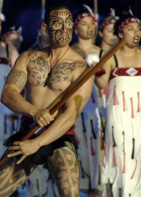 Kia Ta Cakecrush On The Town Maori
