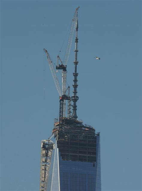 one world trade center gets spire bringing it to height ny daily news
