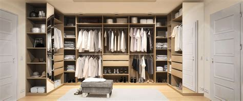 Kleiderschrank U Form by Begehbarer Kleiderschrank Nach Ma 223 Mit Ohne Dachschr 228