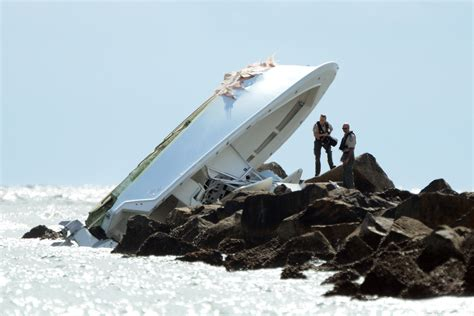 boat crash search marlins pitcher jose fernandez killed in boating accident
