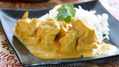 cuisine poulet au curry recette l 233 g 232 re 233 minc 233 s de poulet fondant au curry