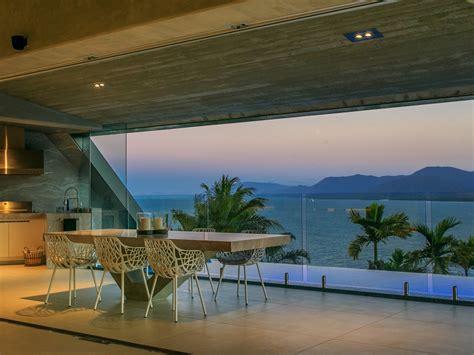 tropical dining room interior design ideas