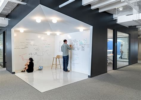 modern whiteboard beats by dre headquarters in culver city office design