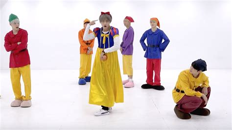 bts gogo dance bts hilariously dress up as snow white the seven dwarfs