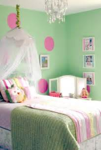 Green colored bedroom design ideas to inspire you mint green bedding
