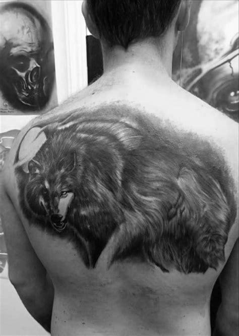 40 Wolf Back Tattoo Designs For Men - Fierce Ink Ideas