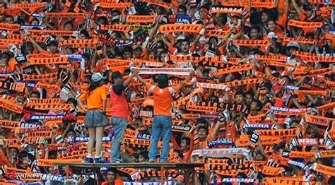 suporter terkreatif  indonesia sepak bola indonesia