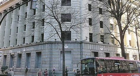 horario banco santander bilbao santander suelta ladrillo vende un edificio en bilbao