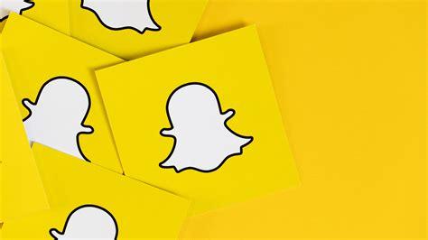 snapchats snap map plots stories  location   ads