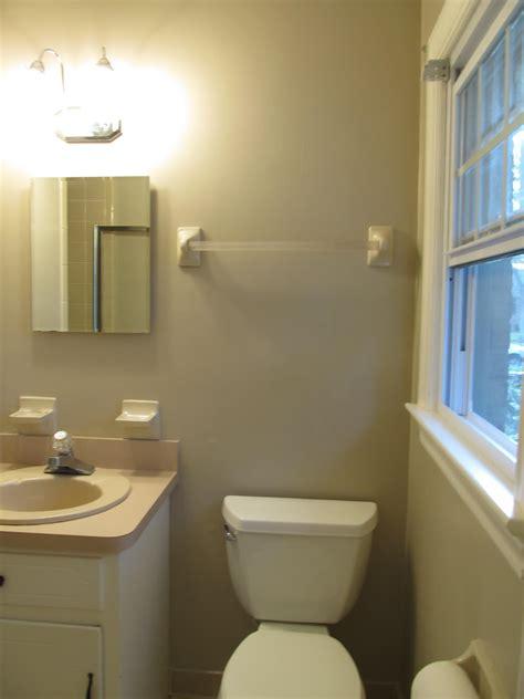 1980�s bath renovation sleek and modern