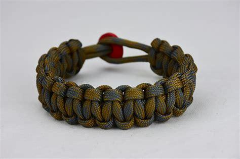 desert foliage camouflage paracord bracelet w red button back