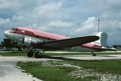 file douglas dc 3 florida air cargo n123dz opf miami fl opa locka airport usa pp1228498812