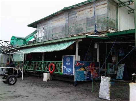 dive restaurant restaurant and dive shop picture of johan s resort