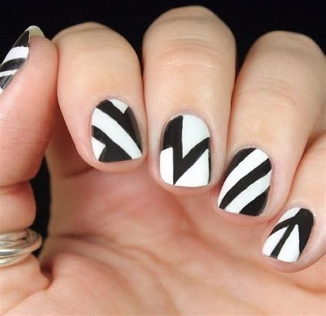 white and black pattern nails 80 black and white nail designs