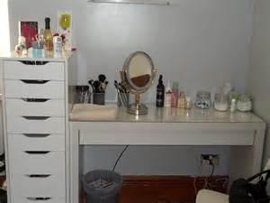 Makeup Organizer With Vanity Table Makeup Vanity Table With Mirror Designwalls