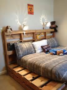 Building A Platform Bed King Size by Diy Wooden Pallet Beds Pallet Furniture Plans