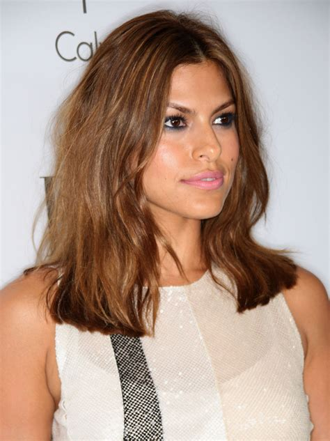 the blonde short hair woman on beverly hills housewives eva mendes 15th annual women in hollywood tribute in