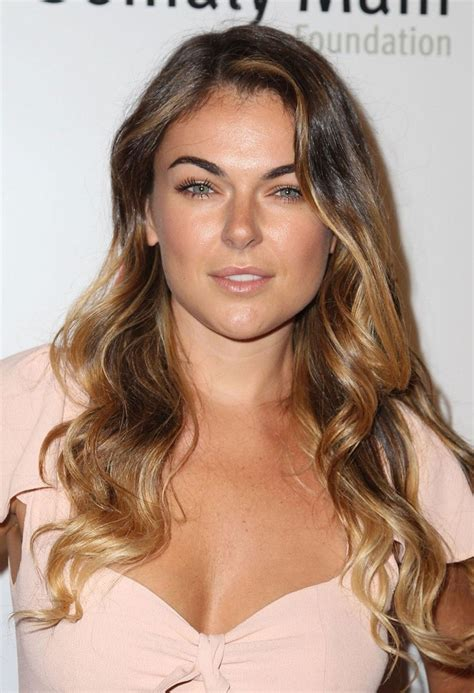 beautiful celebrities who have dark red hair aelida 68 best images about serinda swan on pinterest sexy
