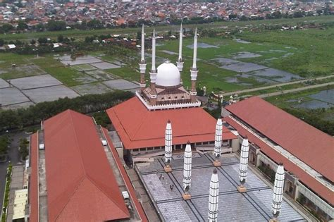 Multimeter Di Semarang melihat kota semarang dari ketinggian 99 meter
