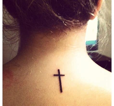tattoo cross upper back small cross tattoo on upper back tattoos book 65 000