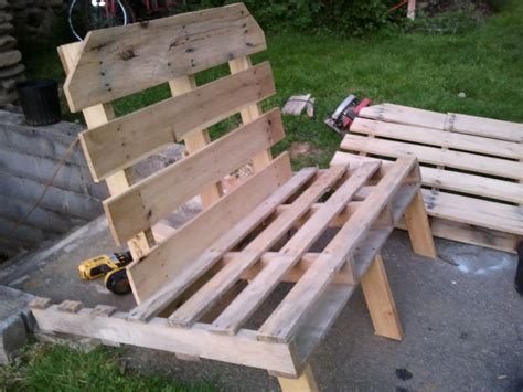 pallet couch plans change look of your tea room with pallet furniture