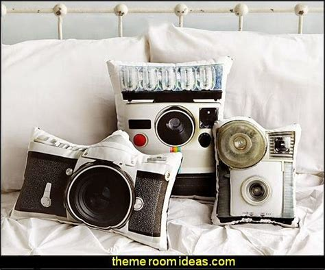 bedroom camera 25 best ideas about world travel decor on pinterest