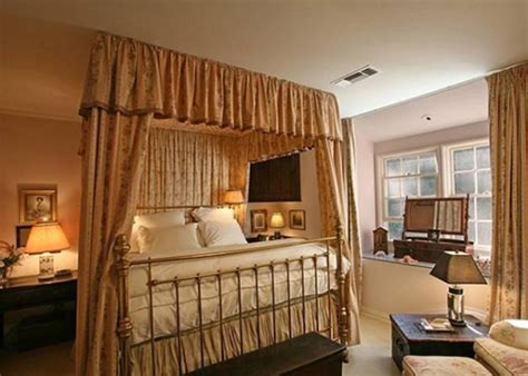 taylor swifts bedroom taylor swift s house in beverly hills