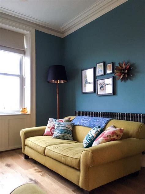 Living Rooms Painted Blue by Living Room Walls Painted In Blue Woodwork And