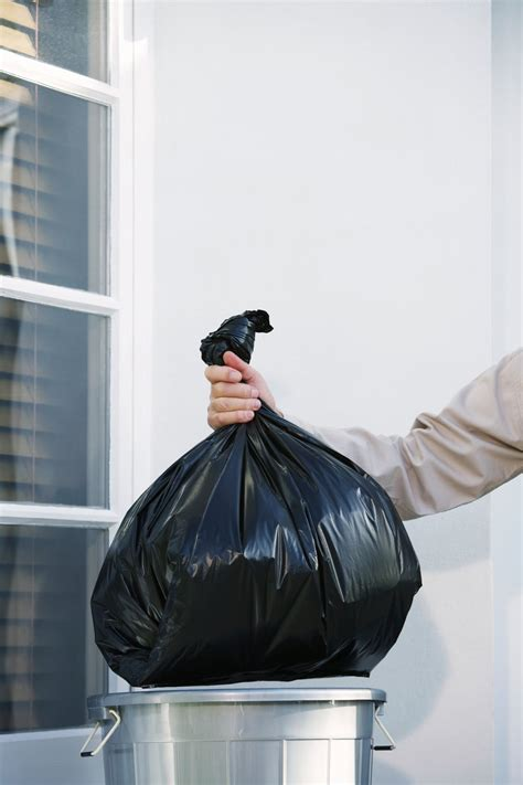 Taking Out The Trash With by This Simple Trick Makes Taking Out The Trash Easier Money
