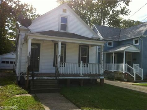 houses for sale lorain ohio 1303 w 8th st lorain ohio 44052 bank foreclosure info foreclosure homes free