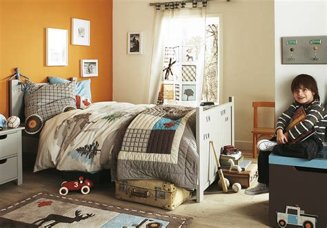decorate boys room 15 cool childrens room decor ideas from vertbaudet digsdigs