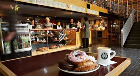 top pot doughnuts seattle   ave ne restaurant