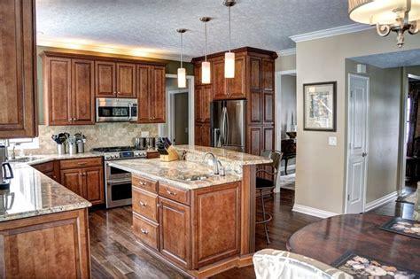 WayPoint 620D Maple Auburn Glaze cabinets with Abstarct