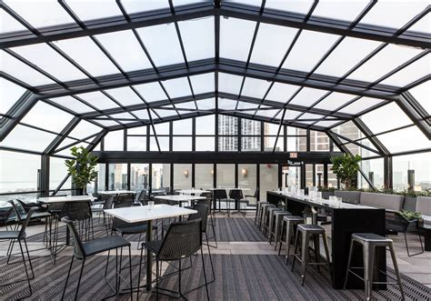 Roof Top Bars In Chicago by The Best Chicago Bars With Retractable Roofs Windows