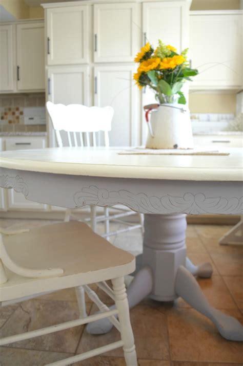diy chalk painted farmhouse style table   vintage